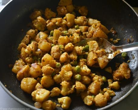 Aloo Gobhi Mutter
